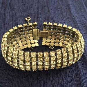 Vintage Weiss rhinestone  bracelet.